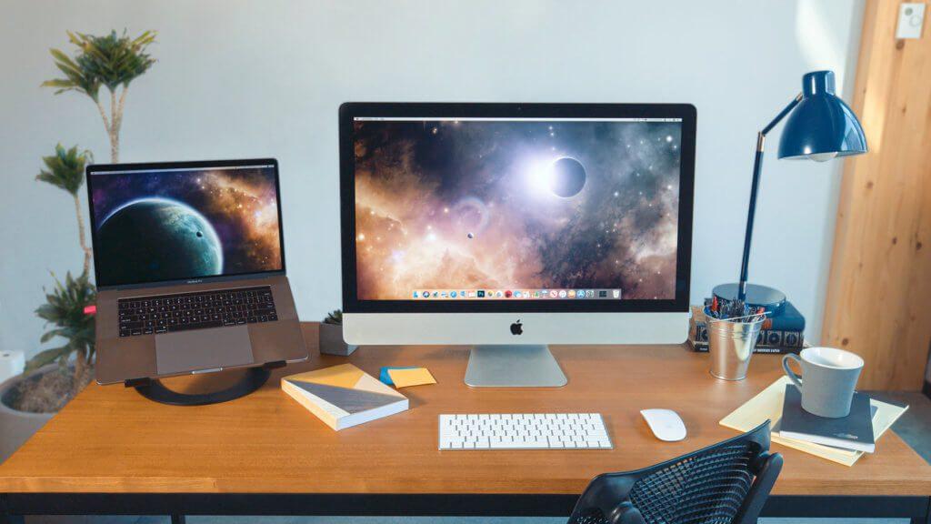 Mit der neuen Mac-to-Mac-Funktion von Luna Display nutzt ihr den Stick und die Software des Anbieters, um ein MacBook und einen iMac zu koppeln. Bild: lunadisplay.com