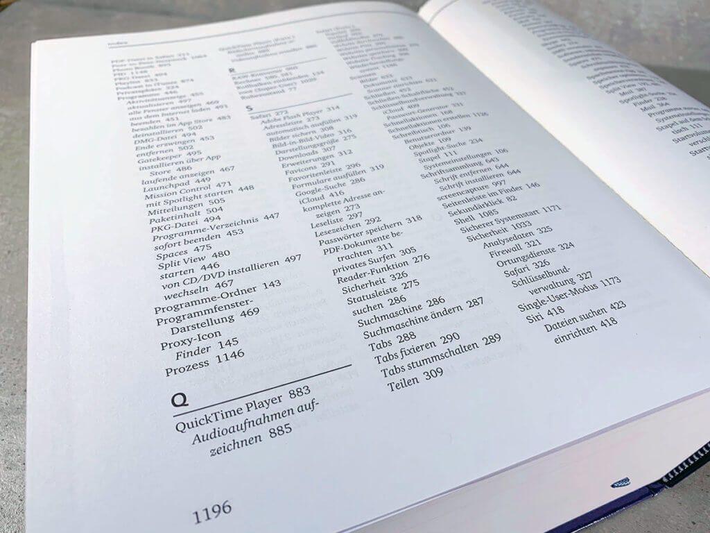 Über den Index findet man viele Funktionen und Programme von macOS. Wer hier interessiert ist, kann stundenlang im Buch blättern und neue Sachen entdecken.