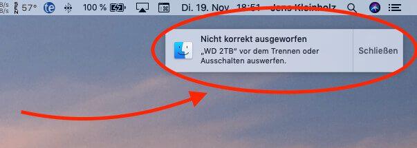 Ich nehme an, bei mir lag es daran, dass die Festplatte nachts die Verbindung verloren hat, während die Fotos-App lief.