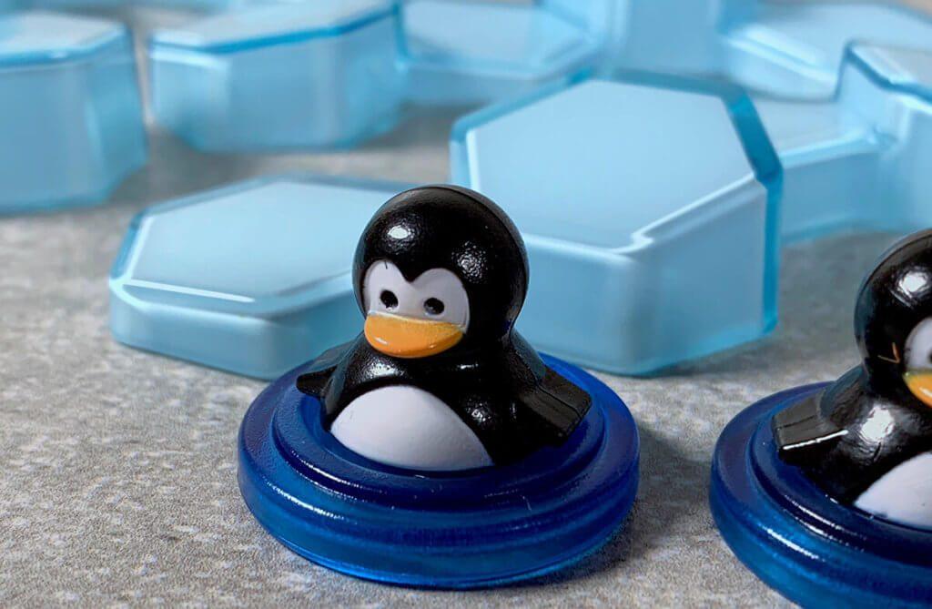 Diese süssen Pinguine stehen leider ständig im Weg und man muss versuchen, die Einblöcke geschickt um sie herum zu platzieren.