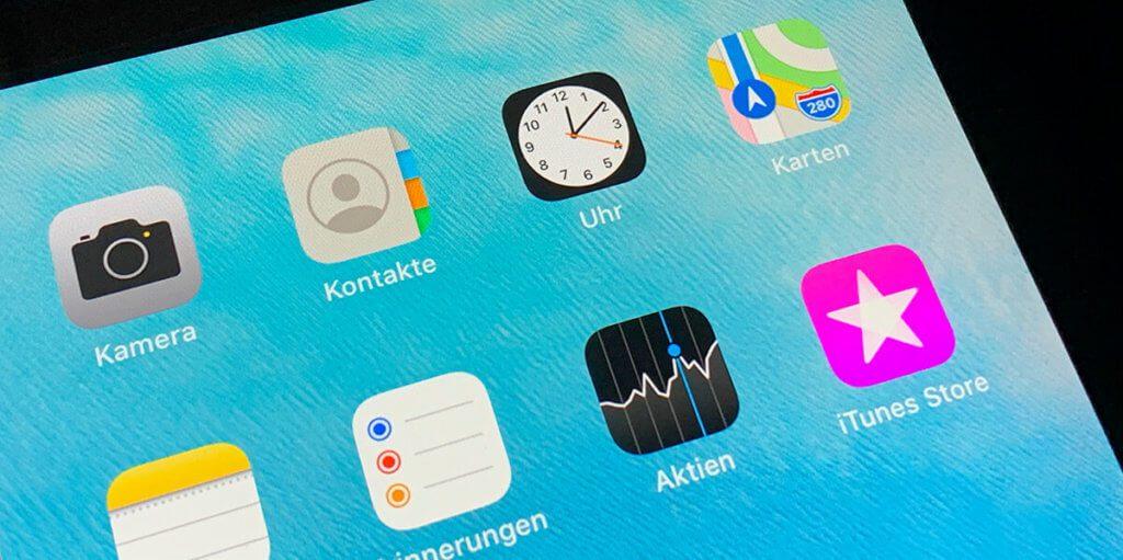 Auch bei der iPad Uhr sieht man schon anhand des Icons, wieviele Sekunden es noch bis Neujahr sind.