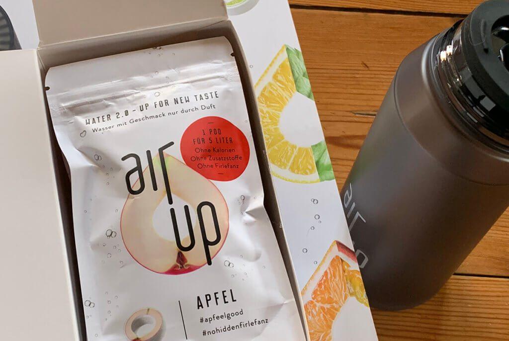 Ich nutze die air up Flasche mittlerweile täglich. Da die Duft-Pods auch länger als erwartet halten, finde ich die Sache mit dem Müll noch überschaubar.