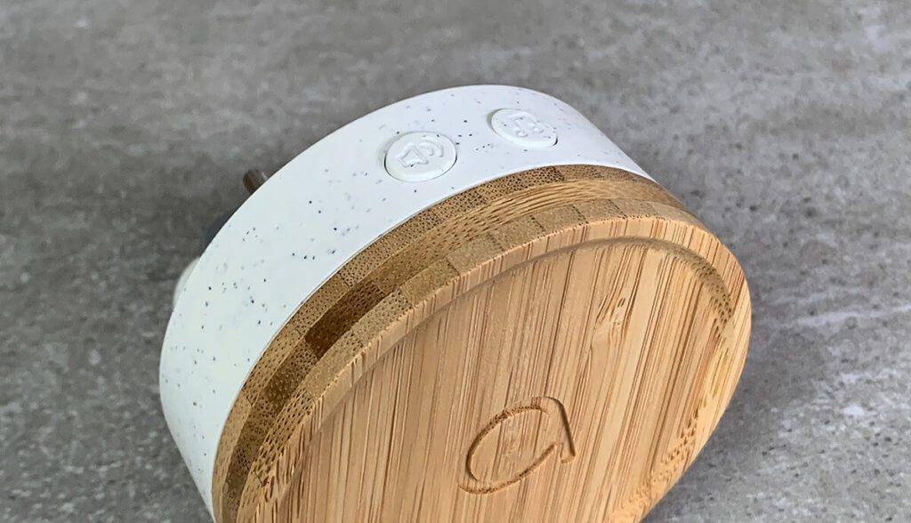 Das Einstellen der Lautstärke und der Klingeltöne erfolgt mit Hilfe von zwei Tastern an der Oberseite der Klingel.