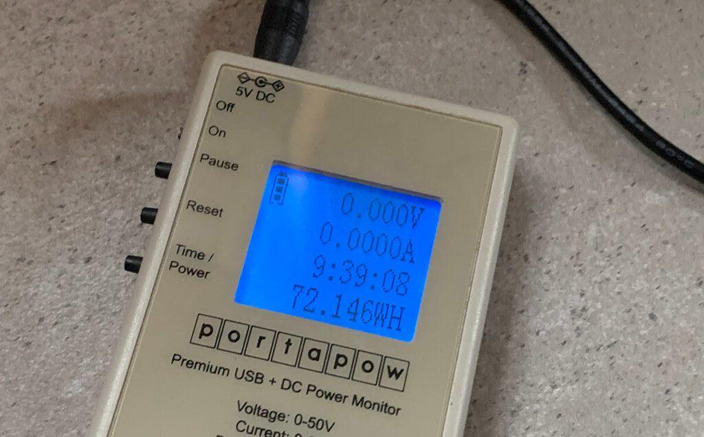 Gut 72 Wattstunden Leistung kann man aus der Powerbank holen, wenn man sie von 100 auf 0 Prozent entlädt.