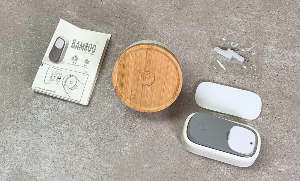 Neben der Türklingel und dem Taster findet man in der Packung auch Befestigungsmaterial und eine Anleitung für die Einrichtung. Diese ist aber so einfach, dass man sie eigentlich nicht benötigt.