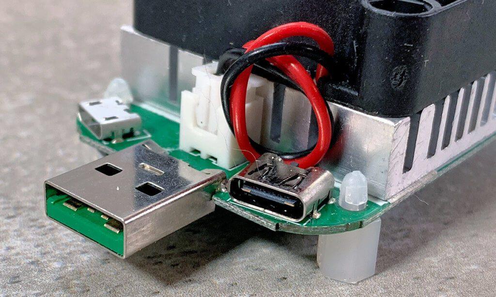 Dieses Lastmodul hat zwar einen USB-C-Eingang,aber ist nicht USB-Power Delivery kompatibel und arbeitet nur mit 5 Volt Spannung.