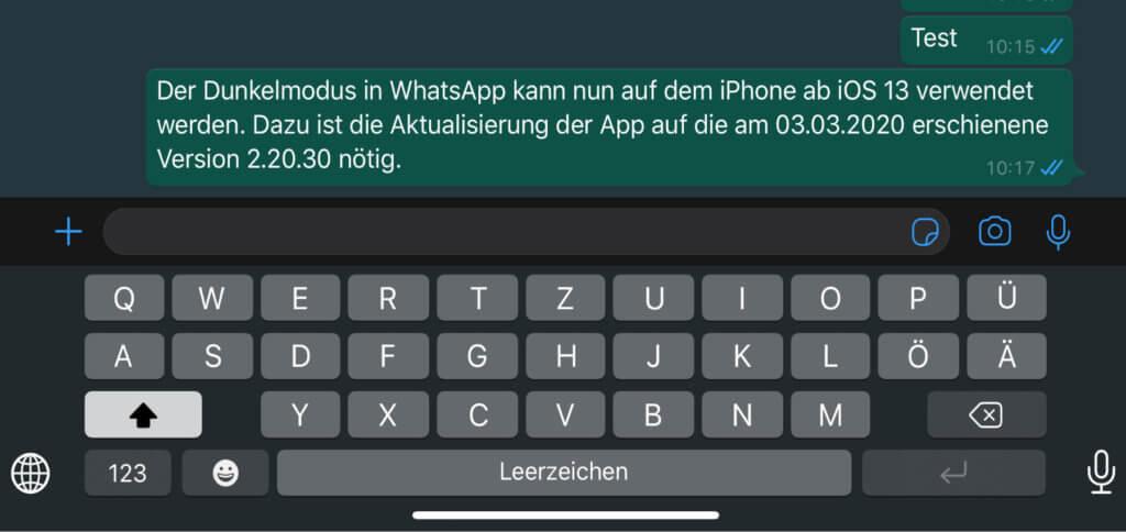 Den WhatsApp Dark Mode am iPhone könnt ihr nach dem aktuellen Update sowie über die Einstellungen des Geräts nutzen.