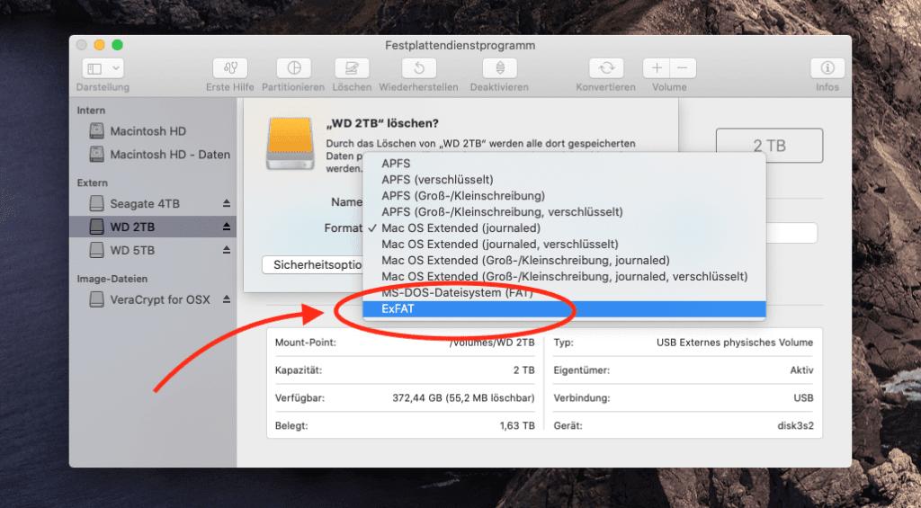 Im Festplattendienstprogramm (in Programme > Dienstprogramme zu finden) kann man einen Datenträger im ExFat-Format initialisieren.