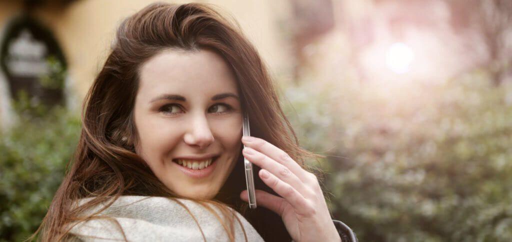 Hier findet ihr Tipps und Tricks zum Vergleichen von günstigen Handy-Tarifen. Mobilfunk muss nicht teuer sein, sollte aber die richtigen Leistungen für euch mitbringen. Mit diesen Tipps achtet ihr auf die wichtigsten Punkte!