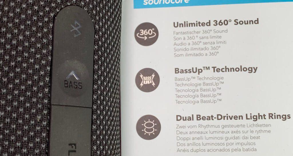 Die BassUp Funktion läßt sich bequem mit einem Taster auf der Rückseite des Lautsprechers einschalten. Für einen vernünftigen Klang bei Musik ist BassUp bei mir immer angeschaltet – sonst klingt der Flare 2 aus meiner Sicht zu flach.