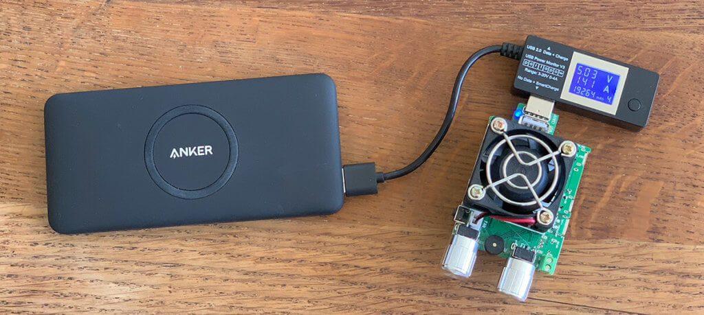 Mit einem USB-Lastwiderstand kann man gut testen, wann die Notabschaltung der Powerbank greift (Fotos: Sir Apfelot).