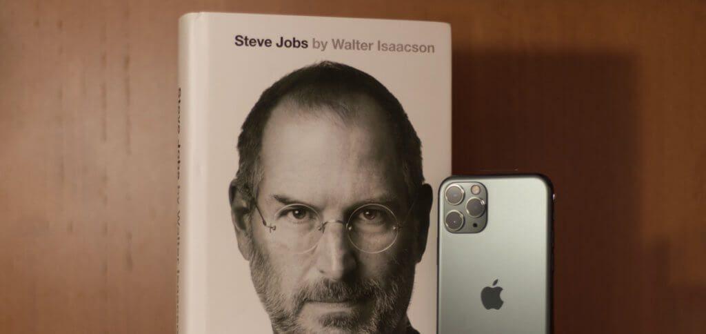 Der neunte Todestag von Steve Jobs – heute am 5. Oktober 2020. Hier findet ihr Filme, eine Dokumentation und die autorisierte Biografie des Apple-Gründers.