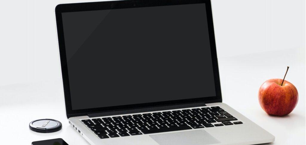 Apple will mit einem neuen Support-Dokument beim Black-Screen-Fehler helfen, der bei 13-Zoll-MacBook-Pro-Modellen von 2013 und 2014 auftreten kann. Zu 100% sicher ist die Installation aber noch nicht.