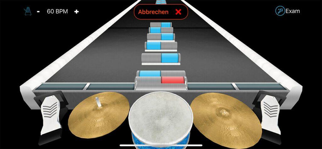 """Mit dem """"Lernen""""-Modus kann man sein Schlagzeugspiel verbessern und über den Button """"Exam"""" sogar eine kleine Prüfung ablegen."""