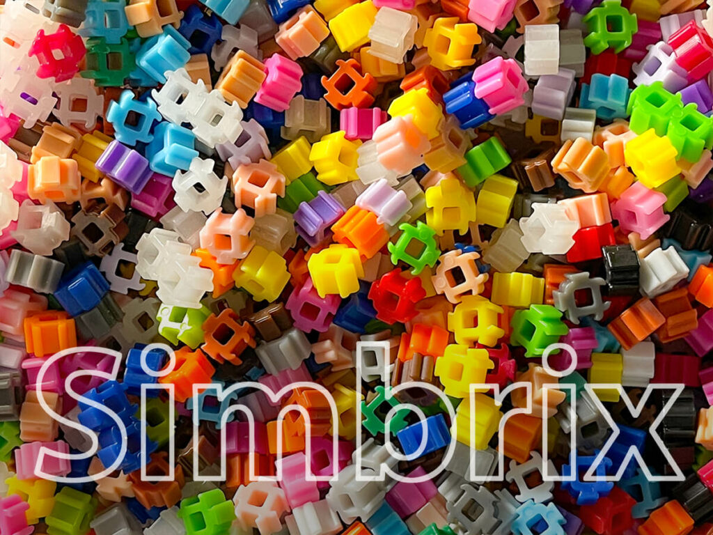 The Simbrix stones can be put together and released again. The creative work with it is much more relaxed than with iron-on beads (photos: Sir Apfelot).