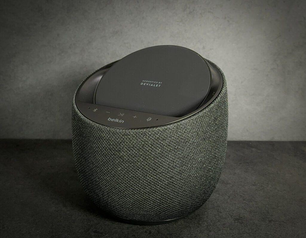 Der Belkin Soundform Elite ist definitiv ein kleines Designobjekt, das sich dazu noch ziemlich gut anhört.