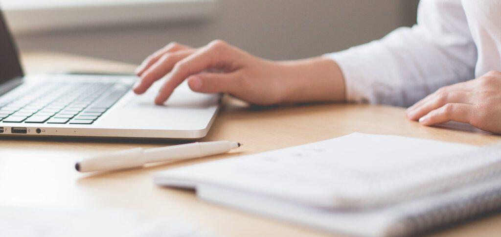 Die Vorteile und Nachteile von E-Learning: Online-Kurse können nicht pauschal als nützlich oder unnütz abgetan werden.