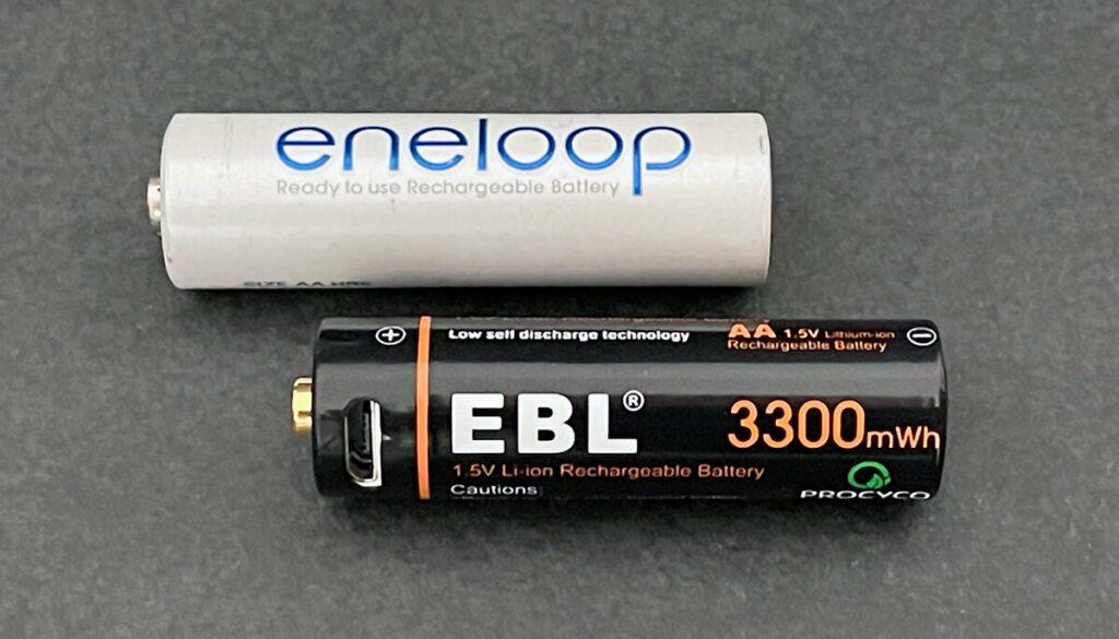 """Die """"einfachen"""" Eneloop-Akkus haben 2000 mAh und damit deutlich weniger Kapazität als die EBL Konkurrenz."""