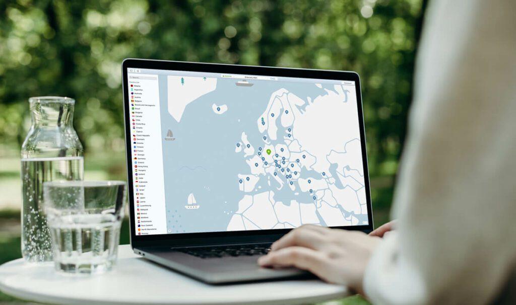 Ihr möchtet über ein anderes Land ins Internet gehen? Kein Problem… NordVPN bietet euch eine Liste mit Ländern, in denen ihre Server stehe oder ihr nutzt die Weltkarte, um das entsprechende Land auszuwählen (Foto: NordVPN).