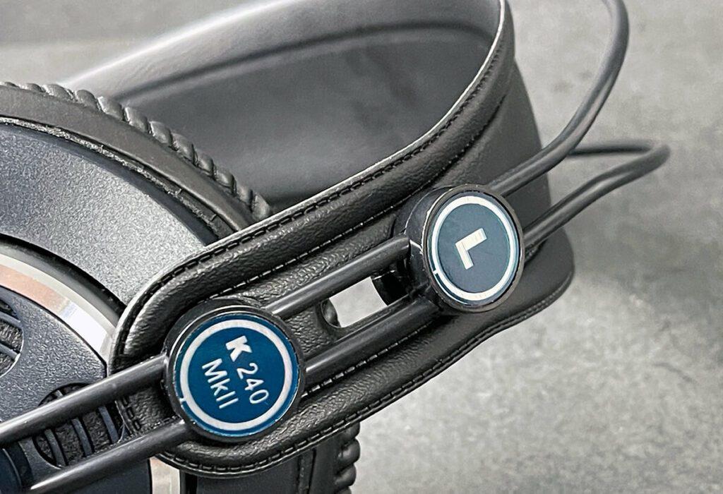 Auch, wenn beim AKG K240 MKII viel Kunststoff und Kunstleder zum Einsatz kommt, finde ich die Verarbeitungsqualität trotzdem sehr gut, da der Kopfhörer sehr haltbar wirkt.