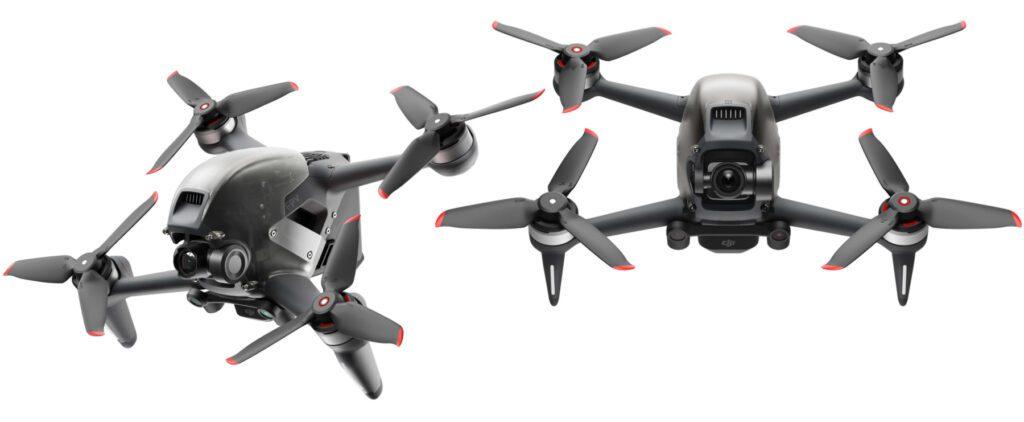 Die DJI FPV Drohne wurde Anfang März 2021 vorgestellt. Im Lieferumfang befinden sich neben der FPV-Drohne auch ein Controller, die Video-Brille (Goggles), die nötigen Akkus sowie Kabel und mehr. Das Set ist also ready to fly.