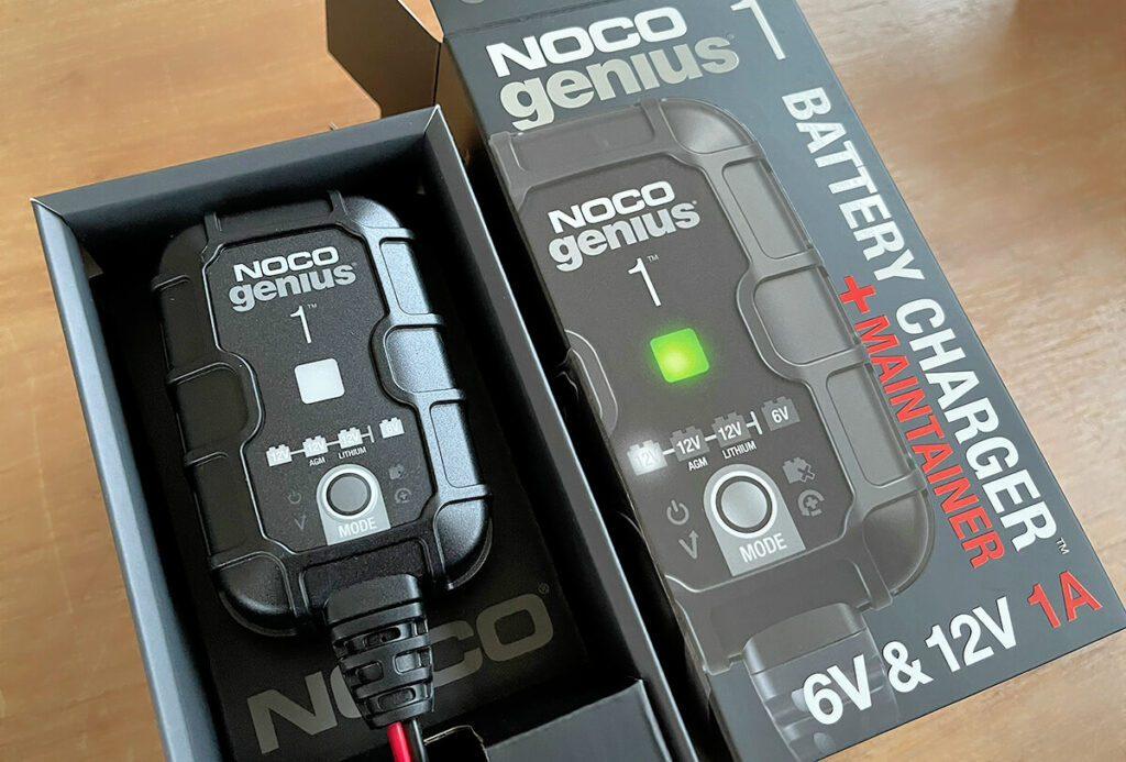 Das Noco Genius 1 ist ein kleines und handliches Autobatterie-Ladegerät (Fotos: Sir Apfelot).