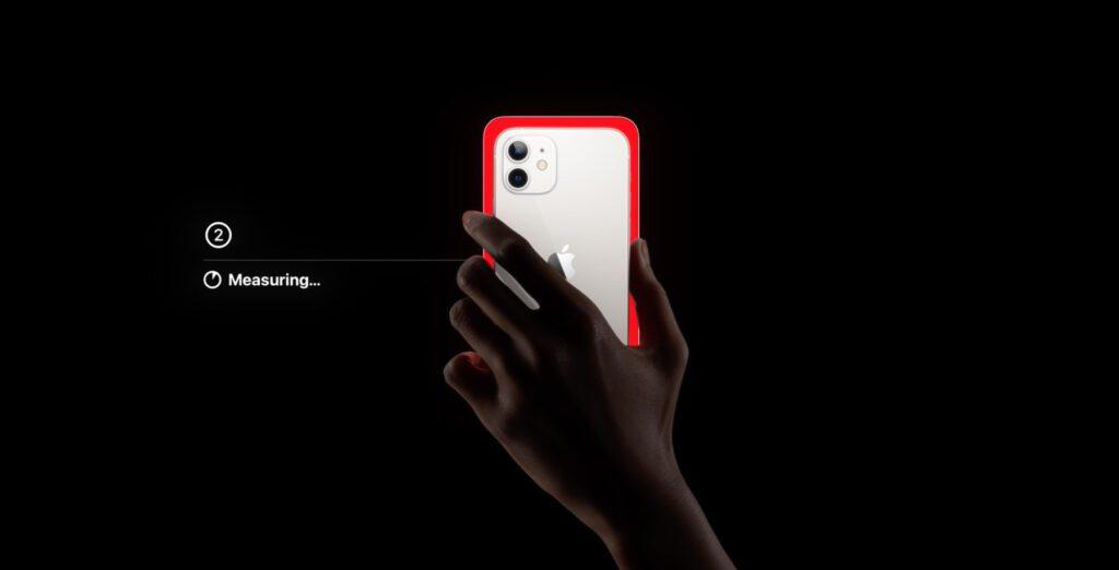 Habt ihr das iPhone vor dem Fernseher-Bildschirm platziert, werden verschiedene Farben angezeigt. Color Balance sorgt dafür, dass diese zukünftig, echter dargestellt werden.