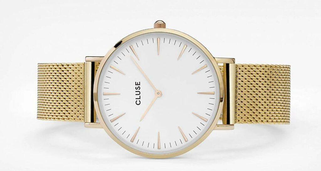 Cluse Uhren gibt es in vielen Farben, aber unter anderem natürlich auch in Gold. Hier das Modell CL18109 aus Edelstahl mit kratzunempfindlichem Mineralglas (Foto: Amazon).