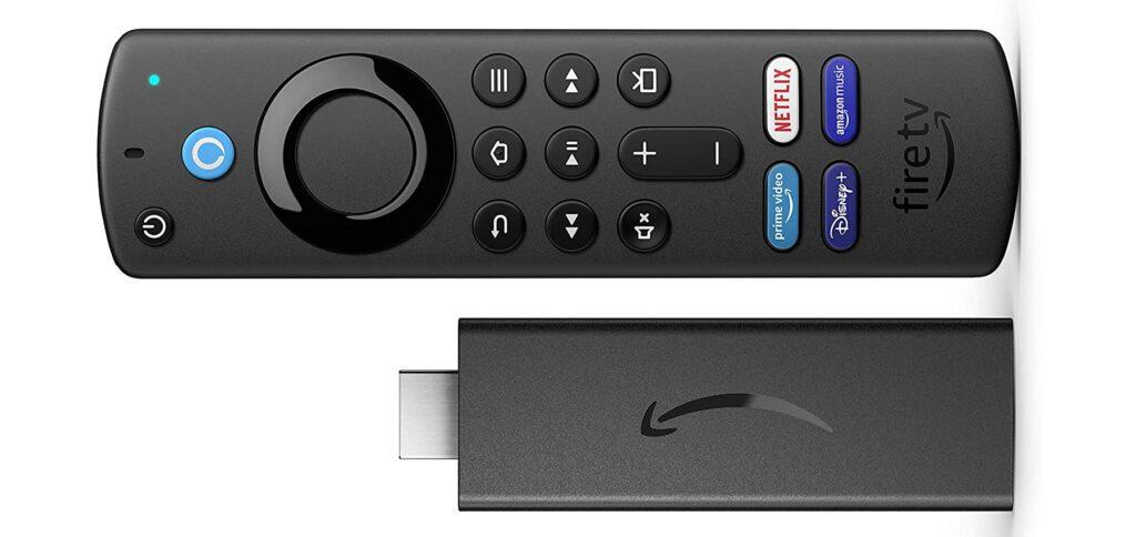 Der Fire TV Stick der 3. Generation hat mit dem 2021-Update eine neue Fernbedienung bekommen. Über diese lassen sich verschiedene Streaming-Apps direkt anwählen.