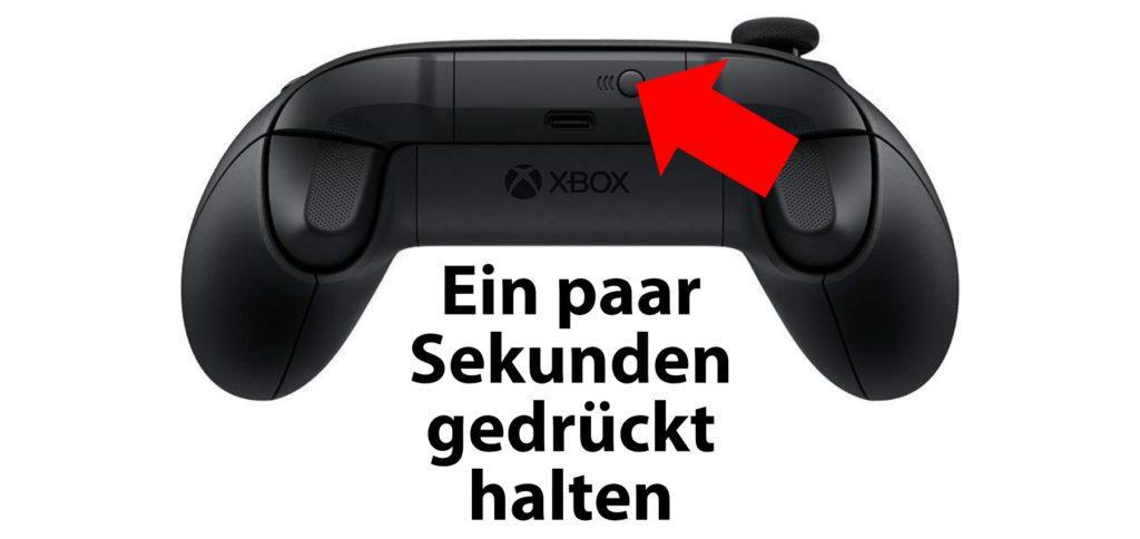 Am Xbox Wireless Controller gibt es einen Pairing Button, der zum Koppeln per Bluetooth mehrere Sekunden lang gedrückt werden muss.