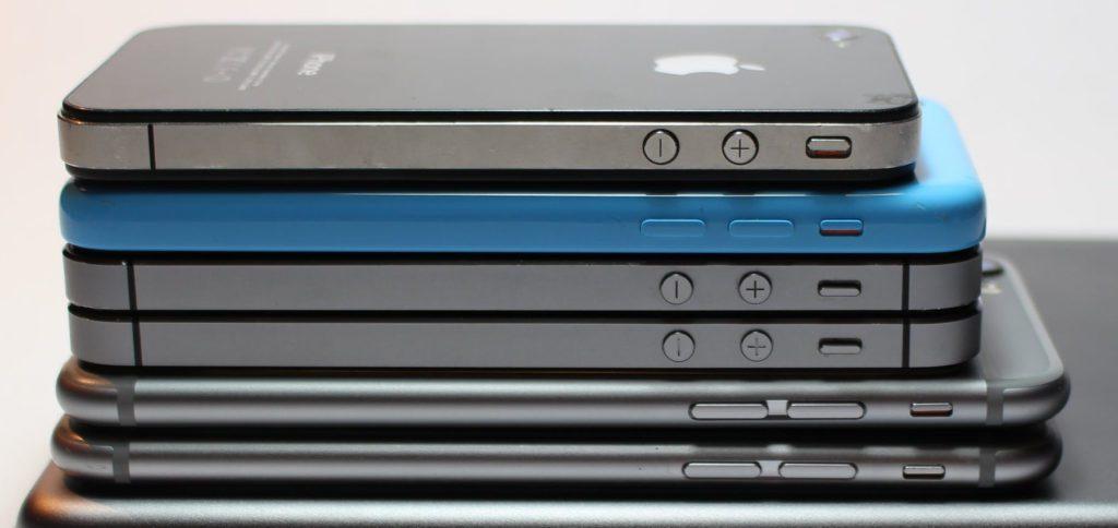 Wie viele Jahre kann man ein iPhone nutzen, bevor es zu langsam und unbrauchbar wird? Wie lange hält das Apple-Smartphone? Antworten auf diese Fragen und ein konkretes Beispiel bekommt ihr hier!