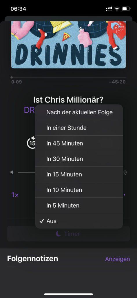 Der Apple Podcasts Sleep Timer unter iOS am iPhone. Ich habe ihn nicht gefunden, aber wurde in den Kommentaren darauf hingewiesen. Danke dafür.