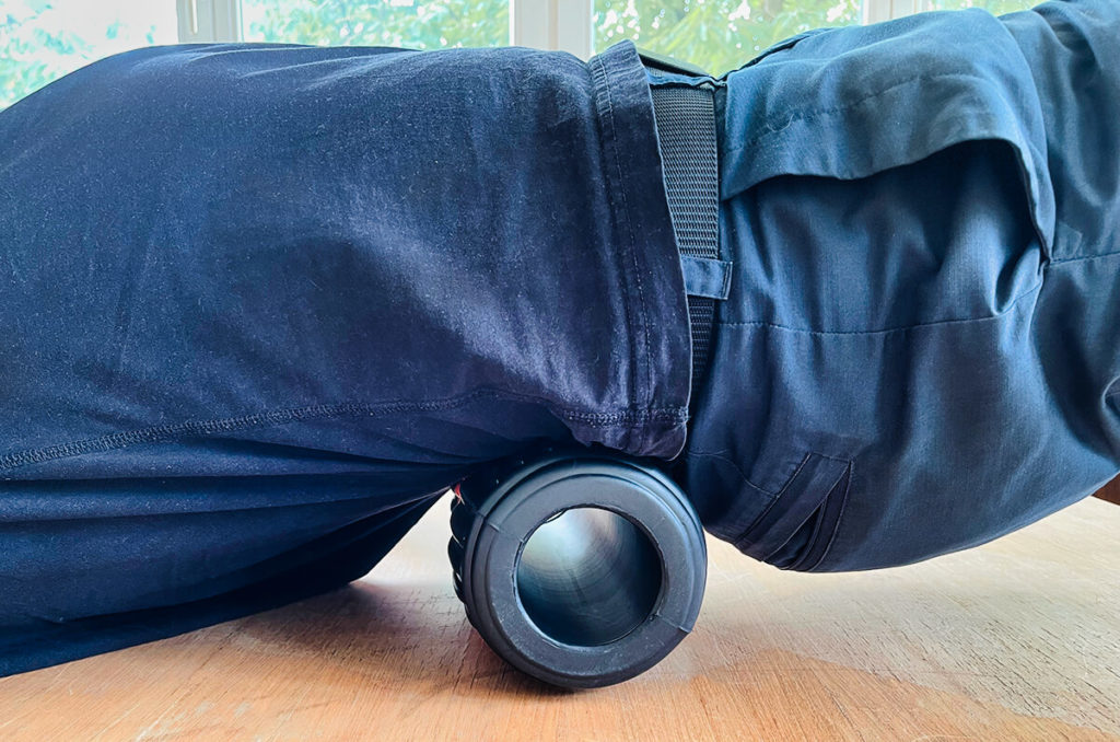 It is very easy to use: you clamp the roller under your back and then slowly roll back and forth over the painful areas to relieve the tension.