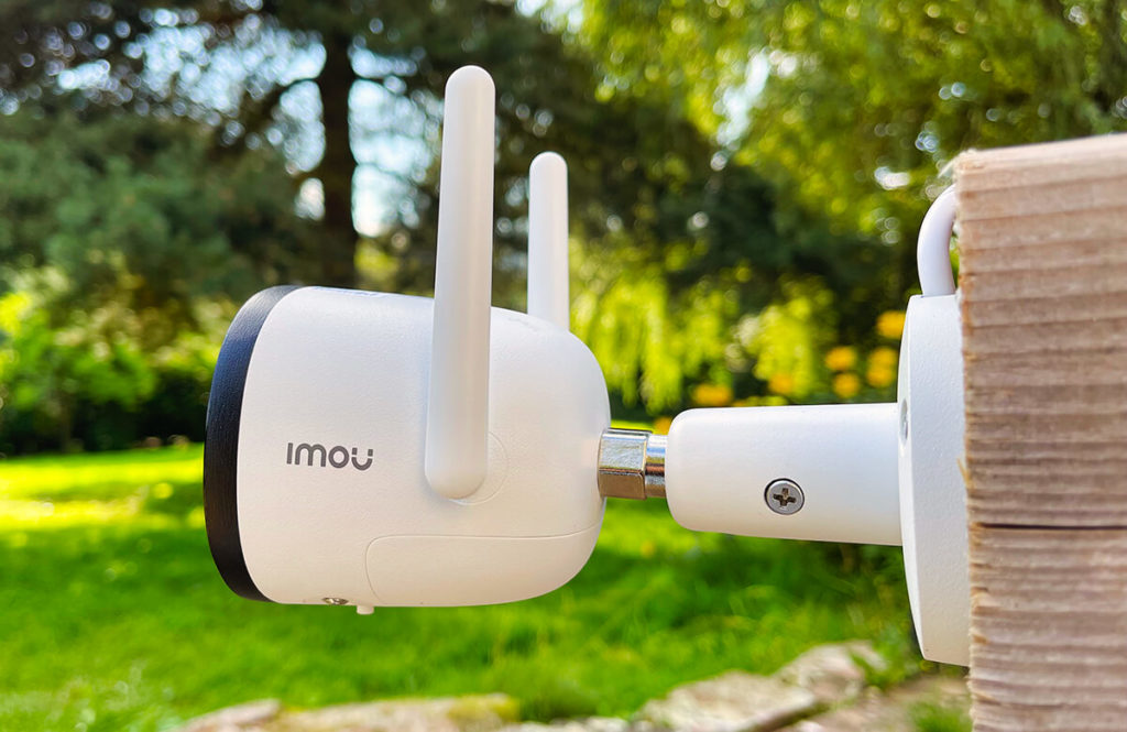 DIe Imou IP-Outdoor-Kamera ermöglicht die Überwachung von Gartenbereichen, Hauseingängen, Einfahrten etc.