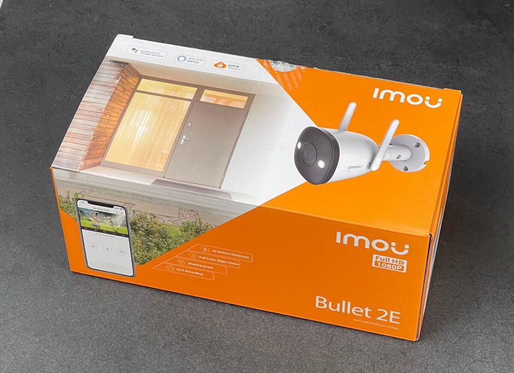 Die Imou Bullet 2E ist eine handliche Überwachungskamera, die für den Aussenbereich geeignet ist. Von Personenerkennung bis zu Benachrichtigungen aufs Handy und Nachtsicht, bietet die Imou alles, was man von einer Sicherheitskamera erwartet (Fotos: Sir Apfelot).