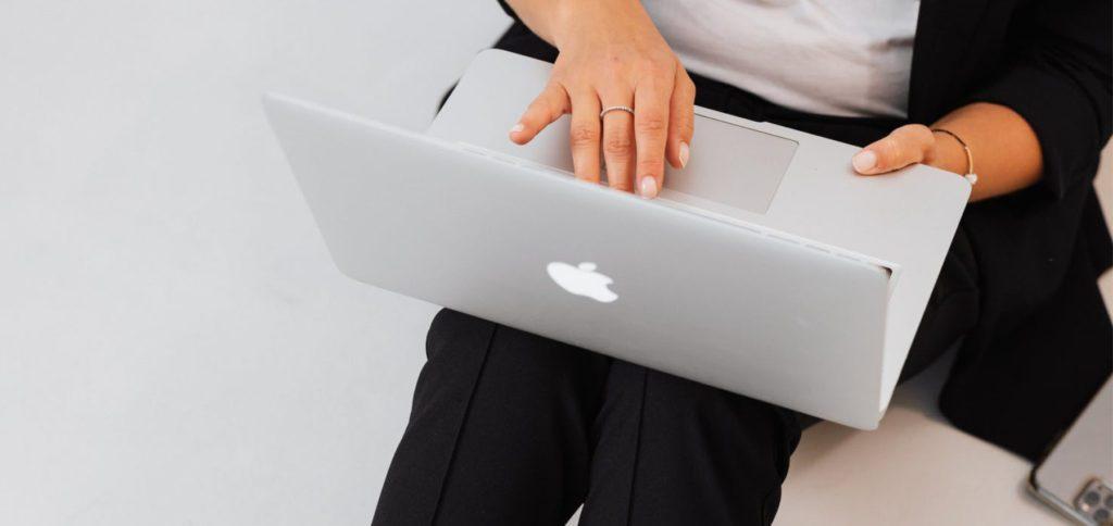 Auf der Apple Oktober Keynote 2021 soll das neue MacBook Pro mit M1X-Chip vorgestellt werden. Hier ein Leak der technischen Daten, der auf Twitter kursiert.