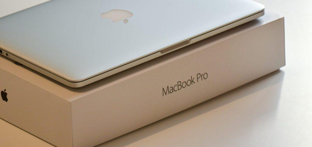 Wenn Apple im Rahmen des Oktober Events 2021 neue MacBook Pro Modelle mit M1X- oder M2-Chip vorstellt, wann werden diese dann bestellbar? Hier eine Prognose mit Blick auf die letzten Veröffentlichungen.